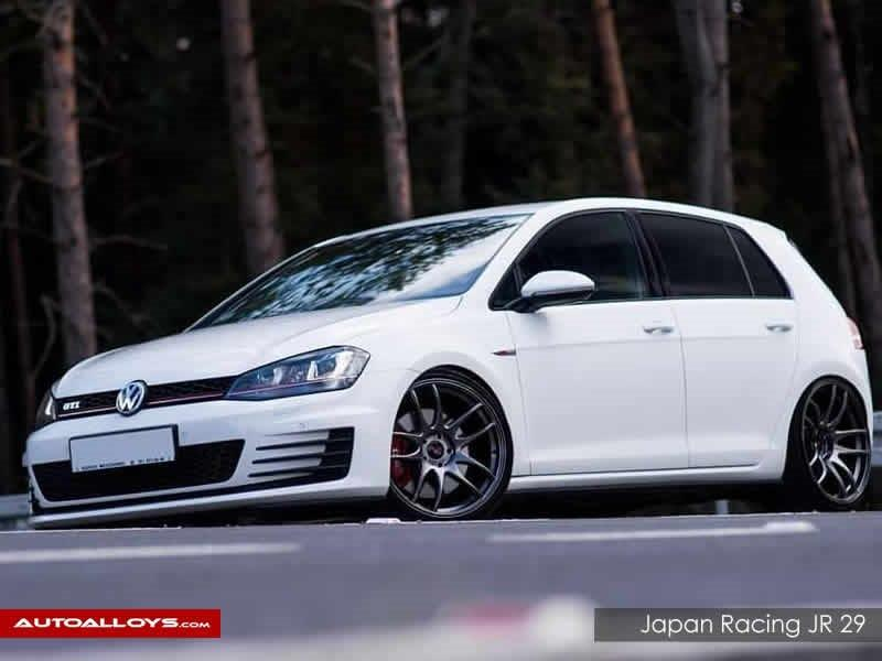 Volkswagen Golf                                                    Japan Racing JR 29 Alloy Wheels
