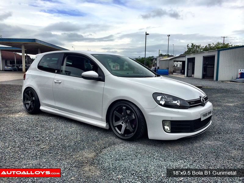 Volkswagen Golf 08 - 13 (MK6) 18 inch Bola B1 Alloy Wheels