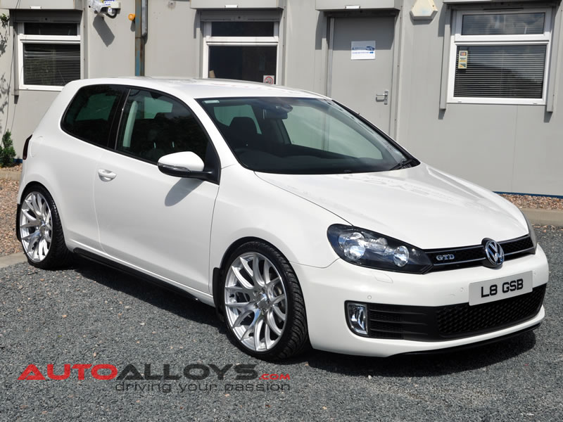 Volkswagen Golf 08 - 13 (MK6) 19 inch 3SDM 0.01 Alloy Wheels
