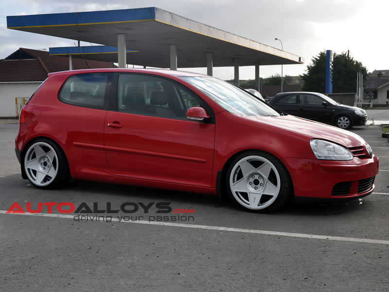 Volkswagen Golf 04 - 08 (MK5) 18 inch 3SDM 0.05 Alloy Wheels