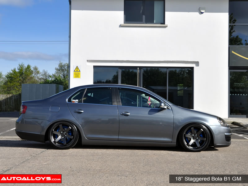 Volkswagen Jetta 11 On (MK6) 18 inch Bola B1 Alloy Wheels