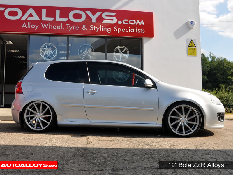 Volkswagen Golf 04 - 08 (MK5) 19 inch Bola ZZR Alloy Wheels