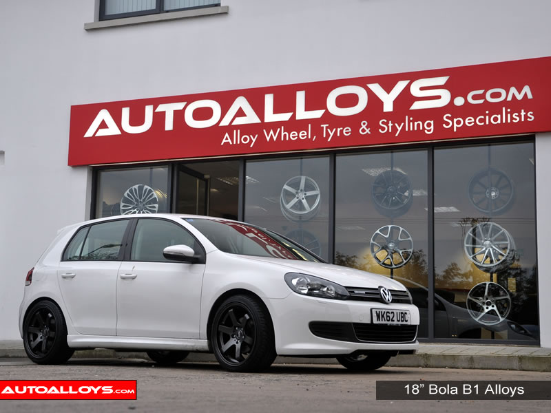 Volkswagen Golf 08 - 13 (MK6) 18 inch Bola B1 Gunmetal Alloy Wheels