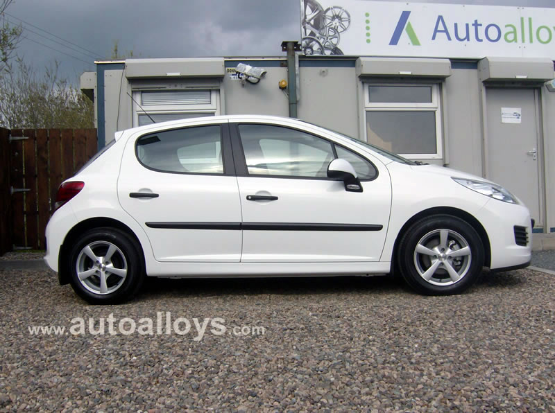 Peugeot 207 06 On 15 inch Calibre Panik Silver Alloy Wheels