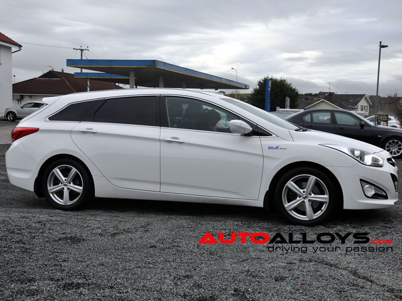 Hyundai i40 12 On 17 inch Team Dynamics Cyclone Silver Alloy Wheels