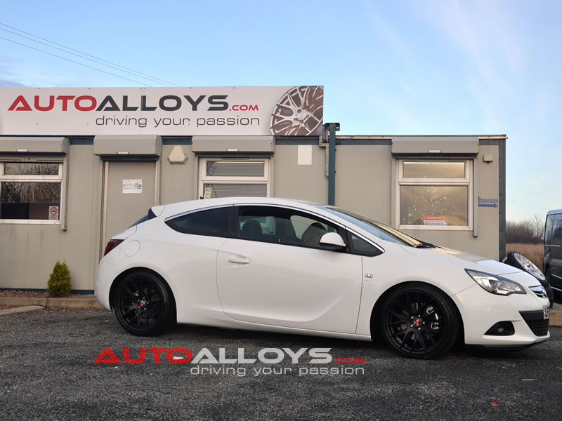 Vauxhall Astra 10 On (1.6 CDTi, 1.6 Turbo, 1.7 CDTi, 2.0 CDTi) 19 inch Zito 935 GB Alloy Wheels