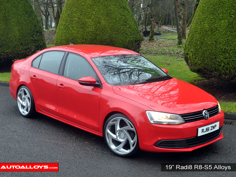 Volkswagen Jetta 11 On (MK6) 19 inch Radi8 R8-S5 SPF Alloy Wheels