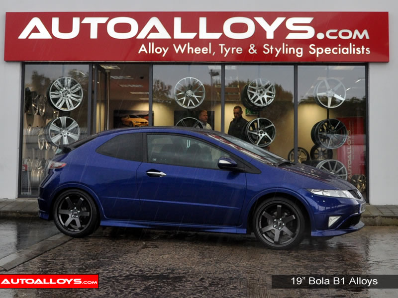 Honda Civic 05 On 19 inch Bola B1 GB Alloy Wheels