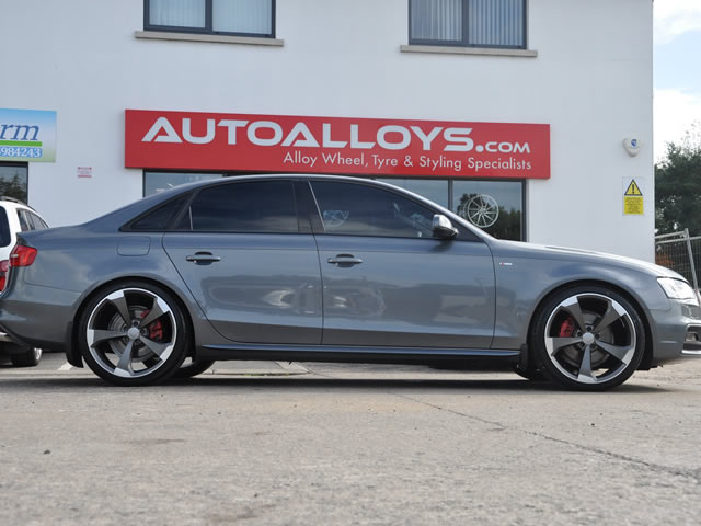 Audi A4                                                    Audi A4 RAW Black Edition Alloy Wheels