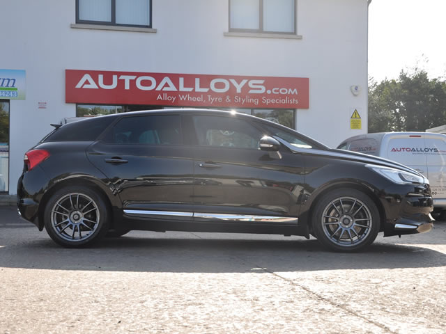 Citroen DS4                                                    Citroen DS4 Calibre Suzuka Alloy Wheels