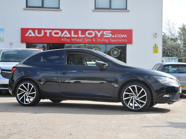 Seat Leon                                                    Seat Leon RAW 18 inch Golf R-Style Alloy Wheels