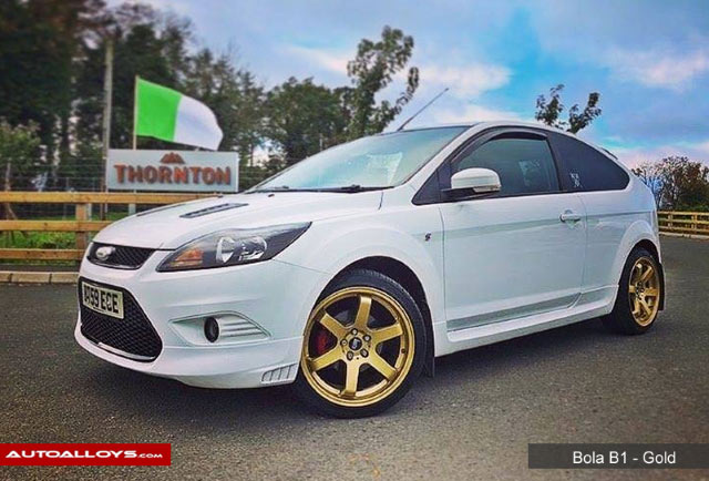 Ford Focus 11 On (MK3) 18 inch Bola B1 Gold Alloy Wheels