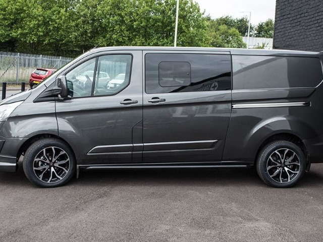 Ford Transit custom                                                    Ford Transit Custom Wolfrace Assassin TRS