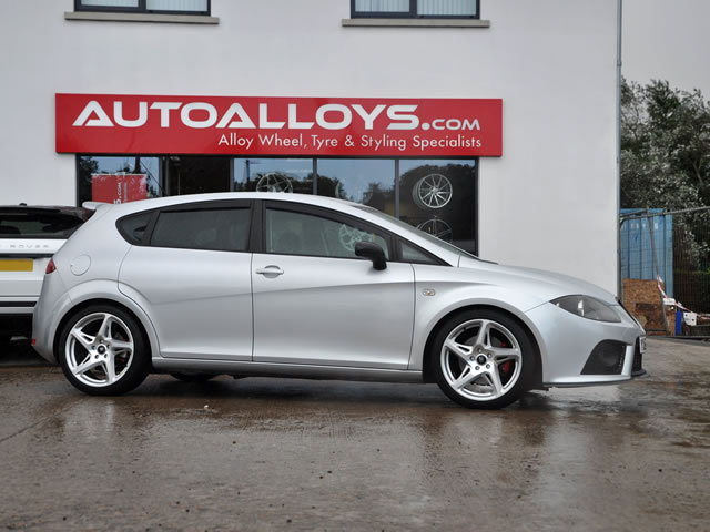 Seat Leon                                                    Seat Leon River R-4 Alloy Wheels