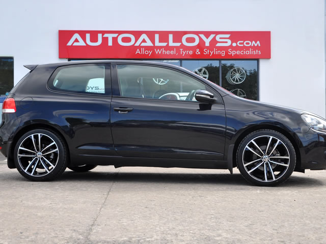 Volkswagen Golf                                                    Volkswagen Golf RAW GTD Style Alloy Wheels