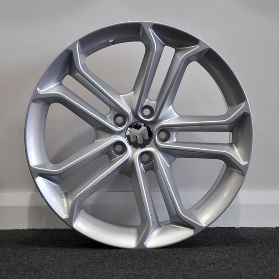 RAW ST3 Style Alloy Wheels - Silver
