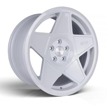 """18"""" 3SDM 0.05 White Alloy Wheels"""